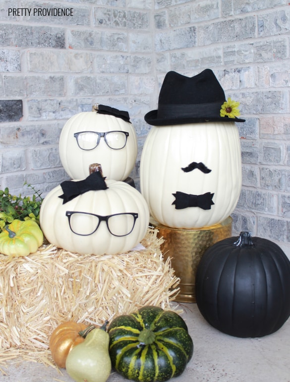 Pumpkin people! No-carve pumpkin idea with craft pumpkins! prettyprovidence.com